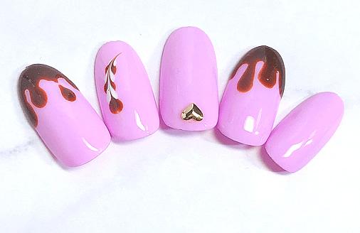 チョコ滴りピンクネイル